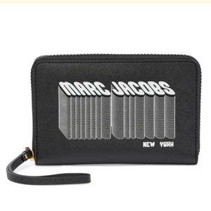 Marc Jacobs phone holder wristlet